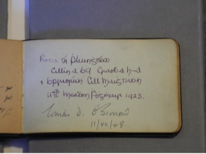 An example of an autograph from Fiona Ni Pluingeoid in the Autograph book of Brigid Brophy (Kilmainham Gaol Archive)